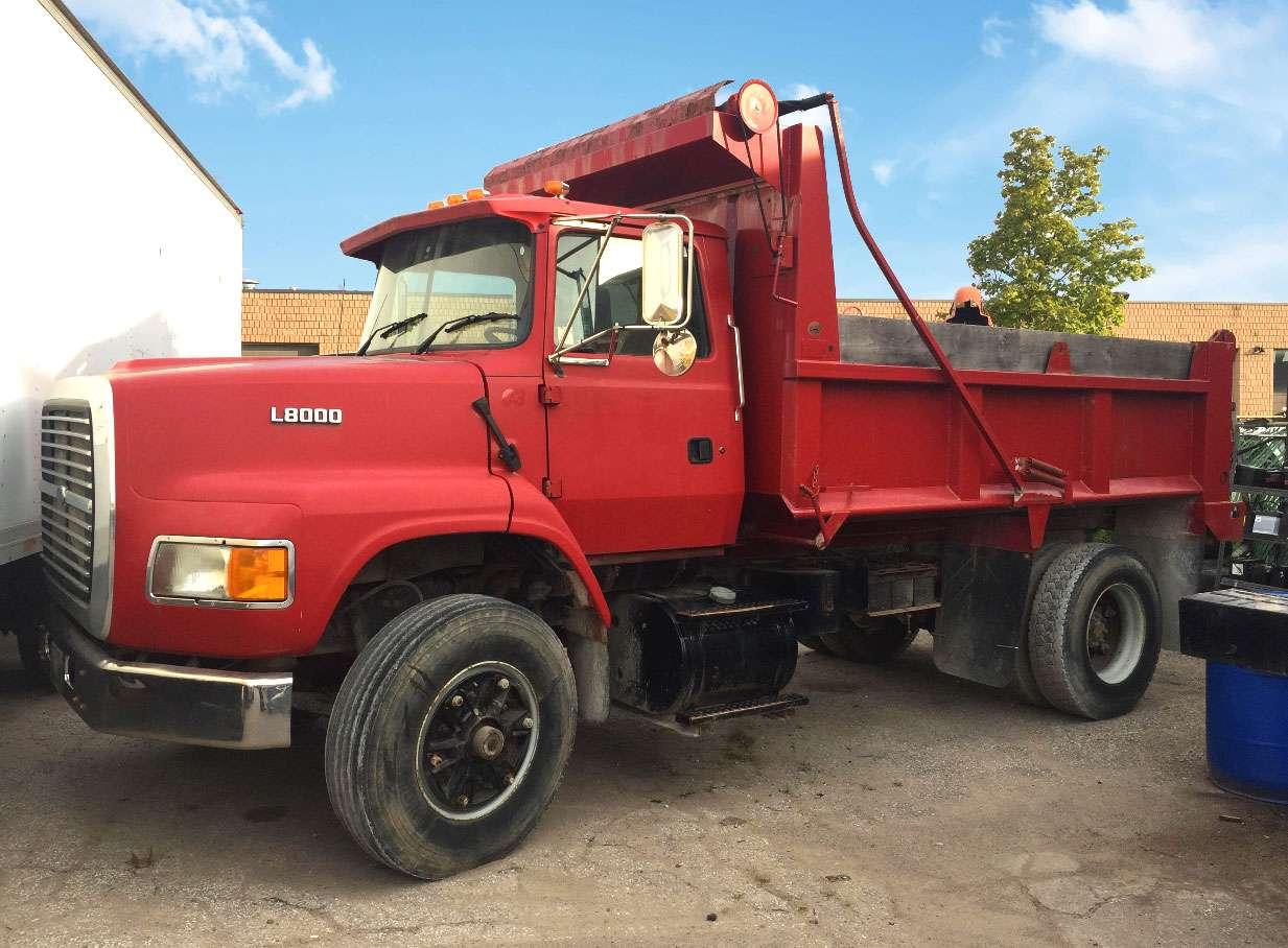 1997 Ford LS8000 Dump Truck