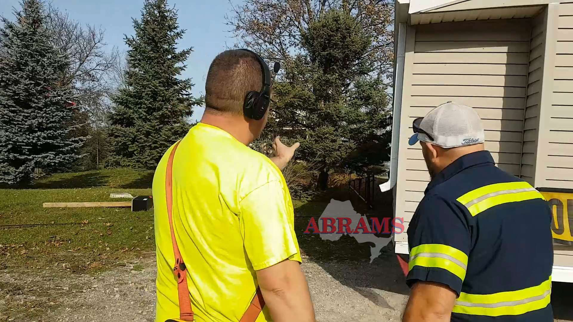 Tow operators discuss winching strategy